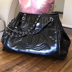 9d1aa7bded1 CHANEL lipstick accordion tote bag. Authentic